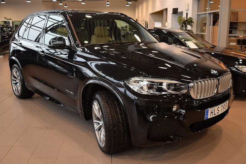 begagnad 40e xdrive aut m sport loungepaket drag 2016 suv 699 900 kr bmw x5 2015 km i. Black Bedroom Furniture Sets. Home Design Ideas