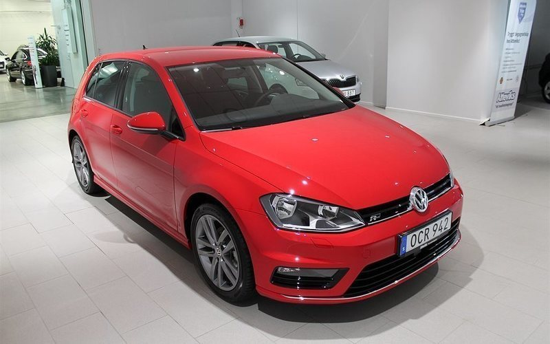 s ld vw golf 1 2 tsi 110 r line 20 begagnad 2017 1 mil i ljungby. Black Bedroom Furniture Sets. Home Design Ideas