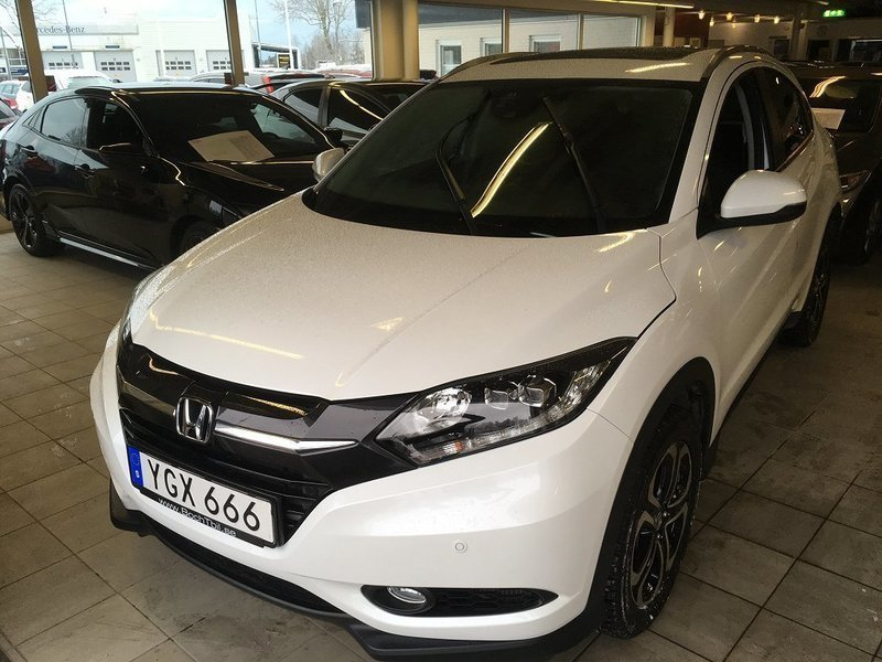 s ld honda hr v 1 6 executive navi begagnad 2016 mil i karlstad. Black Bedroom Furniture Sets. Home Design Ideas