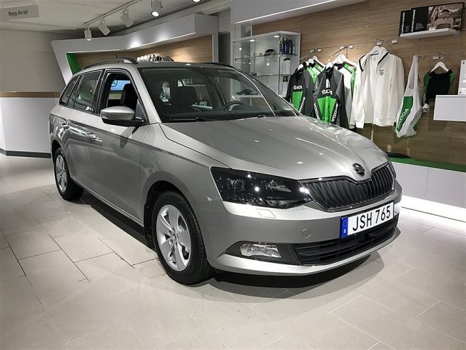 s ld skoda fabia combi style tsi 9 begagnad 2017 0 mil i norrt lje. Black Bedroom Furniture Sets. Home Design Ideas