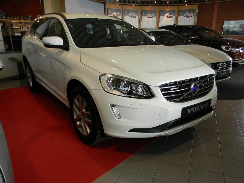begagnad d3 momentum business edition 16 volvo xc60 2015 km i osby. Black Bedroom Furniture Sets. Home Design Ideas