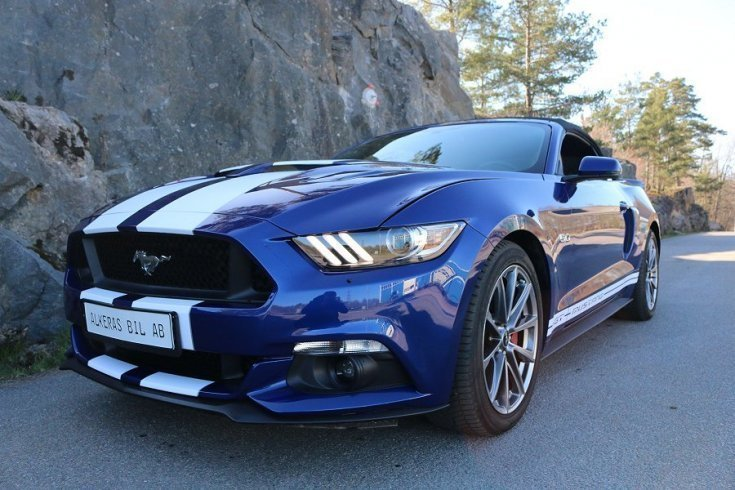 s ld ford mustang gt 5 0 cab 16 begagnad 2015 mil. Black Bedroom Furniture Sets. Home Design Ideas