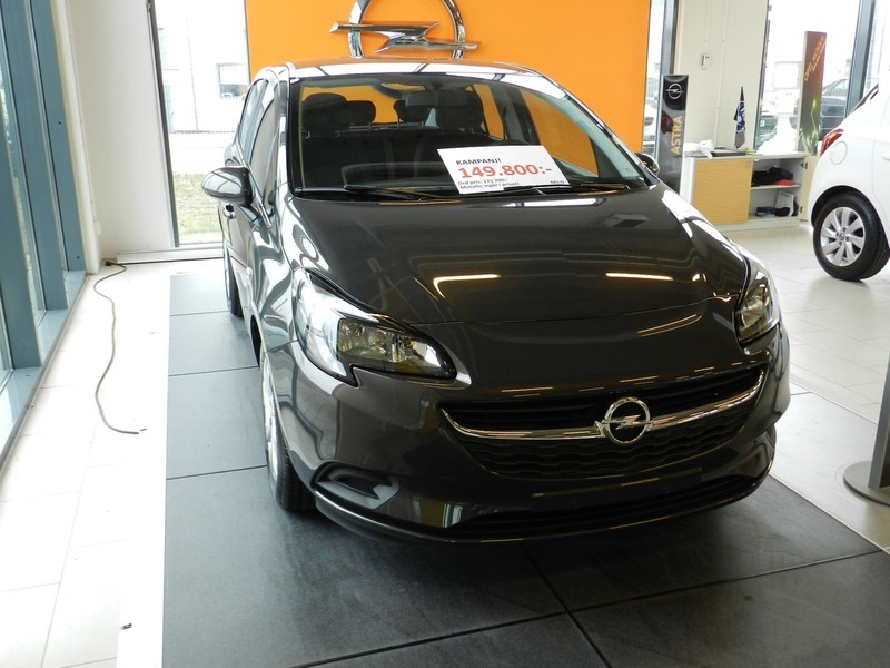 begagnad Opel Corsa Enjoy 5d 1.4 AT6 /90hk Halvkombi