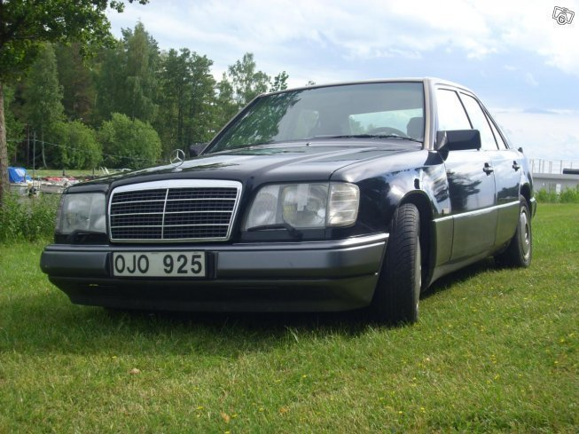 S ld mercedes e300 90 begagnad 1990 mil i k ping for Mercedes benz 1990 e300