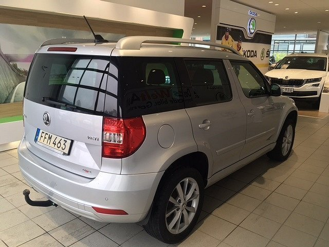 s ld skoda yeti elegance tdi 110 4 begagnad 2015 mil i stockholm. Black Bedroom Furniture Sets. Home Design Ideas