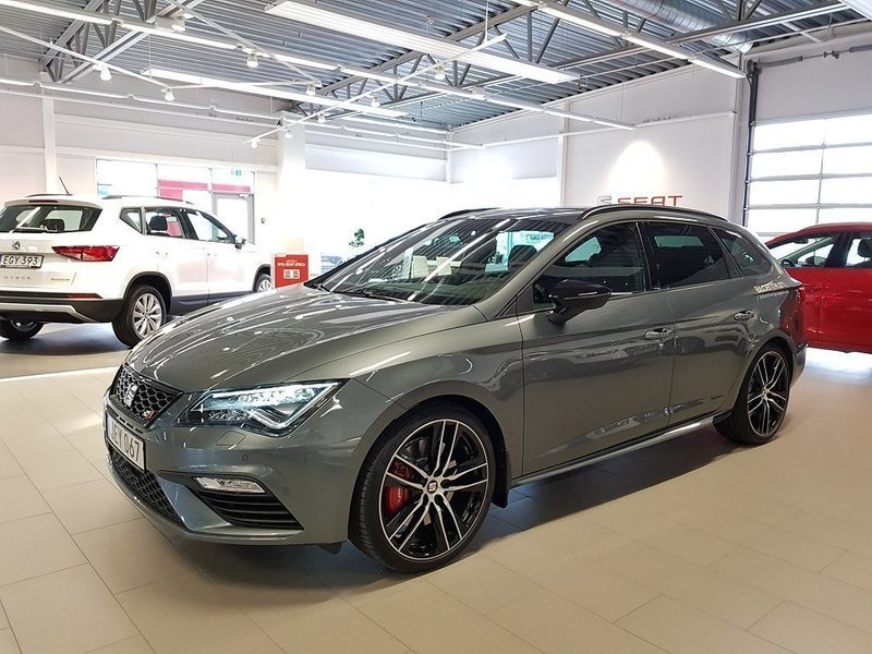 s ld seat leon st cupra 300 4drive begagnad 2017 250. Black Bedroom Furniture Sets. Home Design Ideas