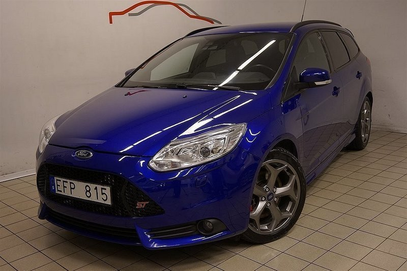 s ld ford focus st 2 0t 250 hgv begagnad 2012 mil. Black Bedroom Furniture Sets. Home Design Ideas