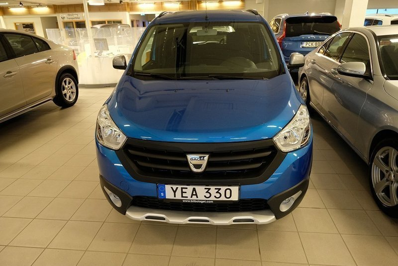 begagnad 1 2 tce 115 stepway dacia lodgy 2016 km 1 i ume. Black Bedroom Furniture Sets. Home Design Ideas