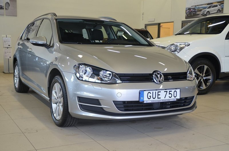 s ld vw golf sc 1 2 tsi 110 dsg7 begagnad 2016 mil i s dert lje. Black Bedroom Furniture Sets. Home Design Ideas