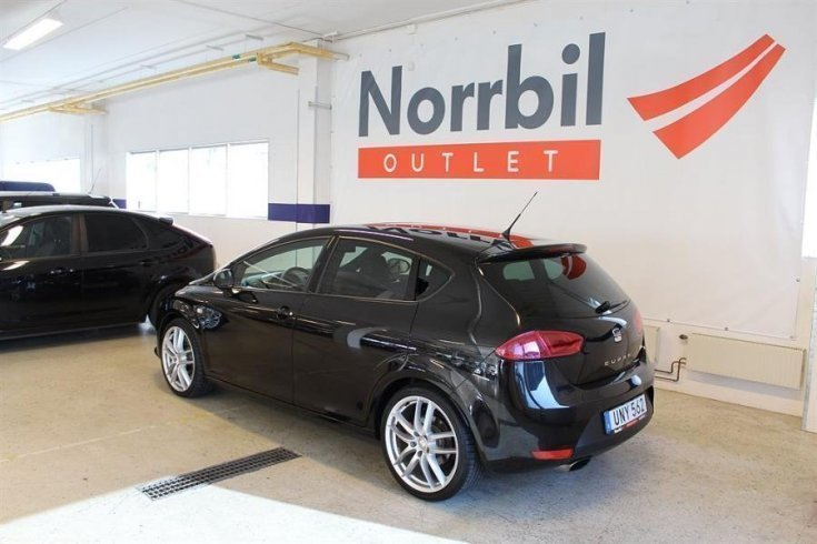 s ld seat leon cupra r 2 0tsi 265hk begagnad 2013 mil i norrt lje. Black Bedroom Furniture Sets. Home Design Ideas