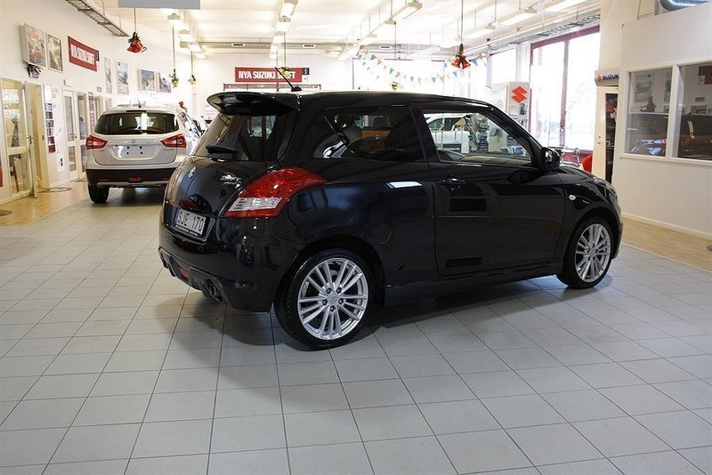 s ld suzuki swift 1 6 sport 136hk begagnad 2012 mil i g teborg. Black Bedroom Furniture Sets. Home Design Ideas