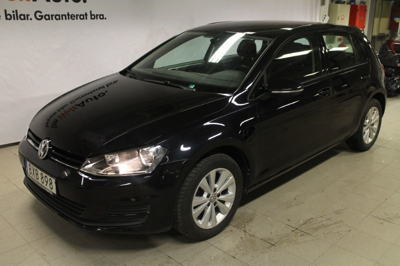 begagnad 1 2 tsi 105 masters 1 2 tsi 105 ma vw golf 2014 km i s dert lje. Black Bedroom Furniture Sets. Home Design Ideas