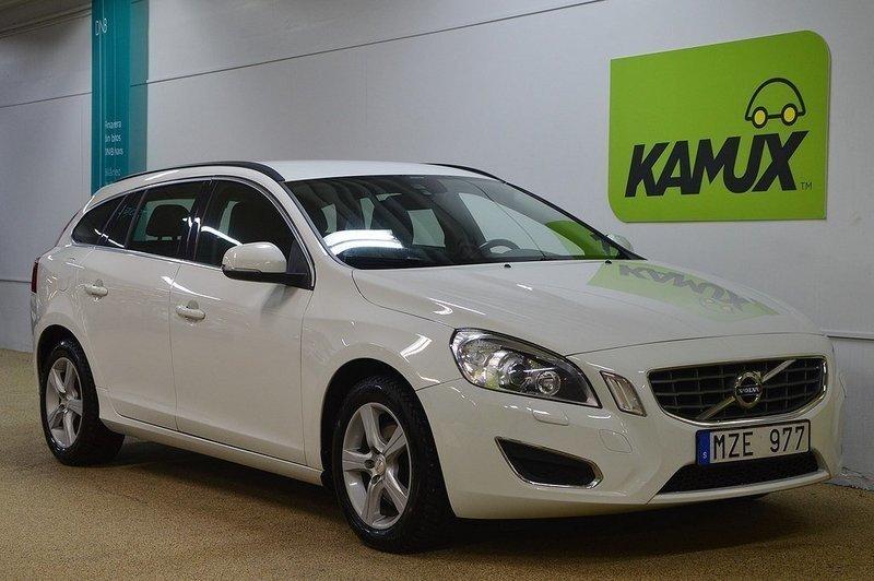 begagnad Volvo V60 2.0 D4 163 S/S MOMENTUM DYNAMIC EDITION