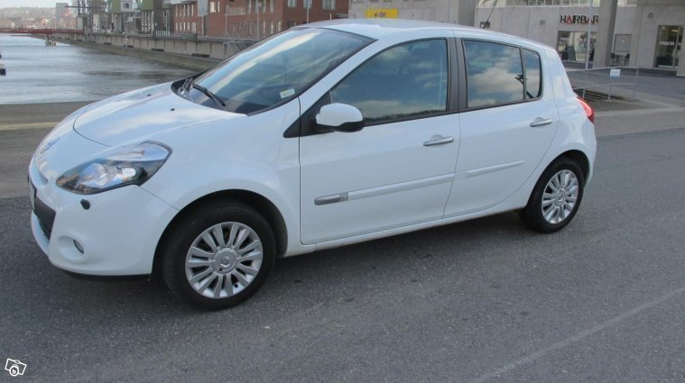 s ld renault clio iii 1 2 tce 100 begagnad 2011 mil i g teborg hisingen. Black Bedroom Furniture Sets. Home Design Ideas