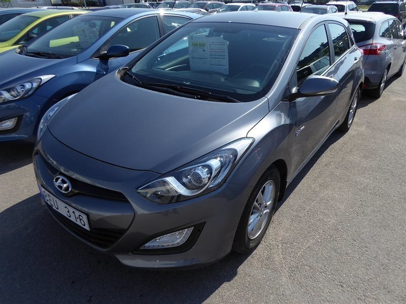 begagnad Hyundai i30 5d CDRi Halvkombi