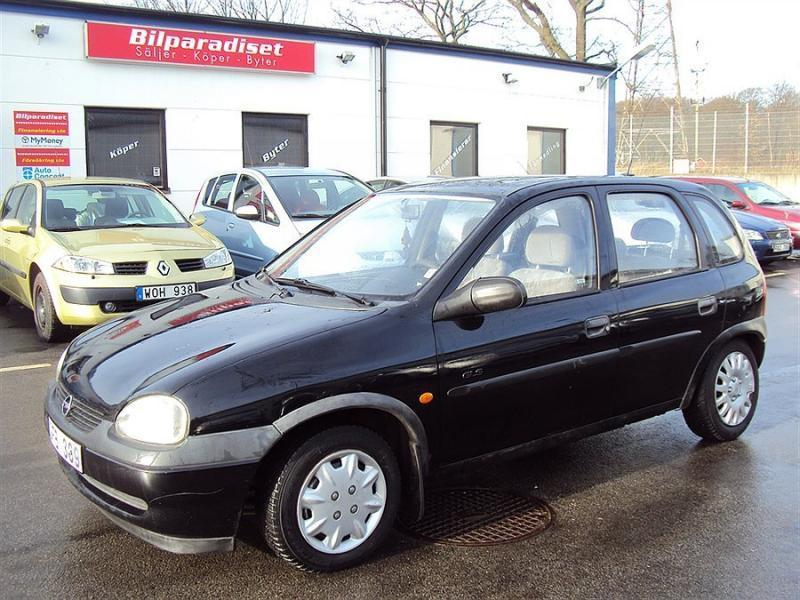 s ld opel corsa b 1 2i 16v gls 65h begagnad 1999 mil i helsingborg. Black Bedroom Furniture Sets. Home Design Ideas