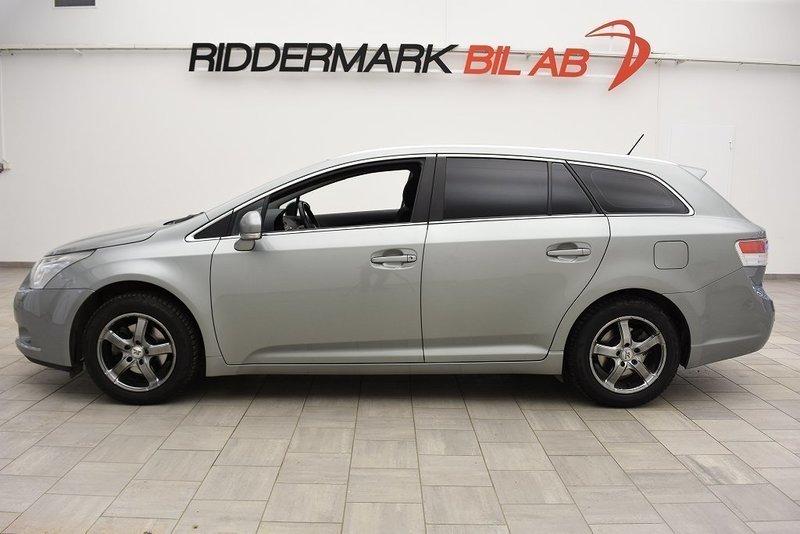 begagnad Toyota Avensis 1.8 Kombi 147hk 7448MIL / AUT / PANO