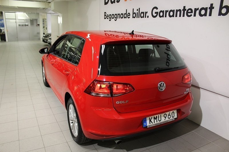 s ld vw golf 1 2 tsi 110 begagnad 2017 mil i stockholm. Black Bedroom Furniture Sets. Home Design Ideas