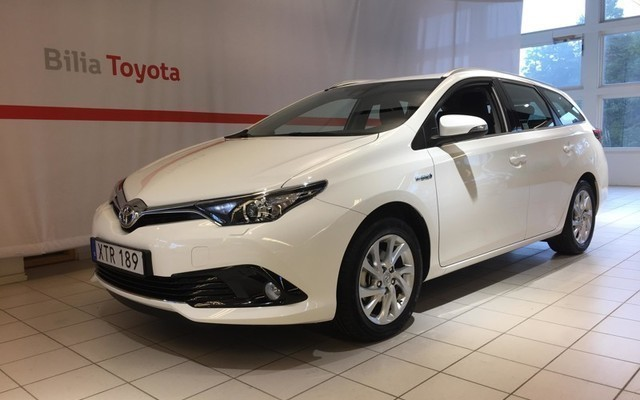 Sald Toyota Auris Touring Sports 1 Begagnad 2018 400 Mil I