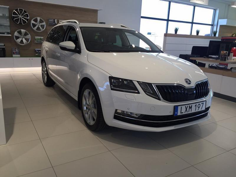 s ld skoda octavia combi style tdi begagnad 2018 1 mil i katrineholm. Black Bedroom Furniture Sets. Home Design Ideas