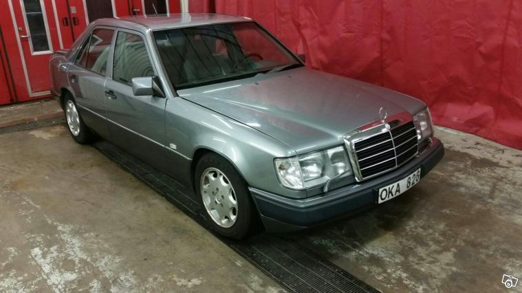 S ld mercedes e300 nybes 90 begagnad 1990 mil i for Mercedes benz 1990 e300