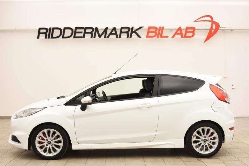 begagnad Ford Fiesta 1.6 ST 3dr 182hk 5843MIL / BLUETOOTH