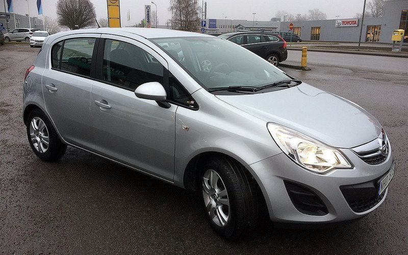 begagnad corsa 1 2 twinport5dr 85hk 12 opel corsa 2012 km i kista. Black Bedroom Furniture Sets. Home Design Ideas