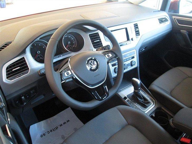 s ld vw golf sportsvan 1 4 tsi 125 begagnad 2014 0 mil i visa p kartah ss. Black Bedroom Furniture Sets. Home Design Ideas