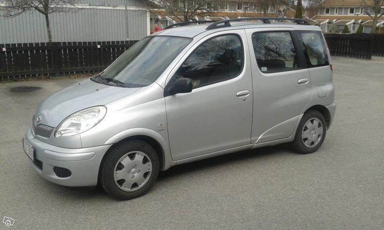 Sld Toyota Yaris Verso 03 Begagnad 2003 10729 Mil I