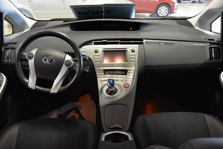 s ld toyota prius plug in hybrid x begagnad 2013. Black Bedroom Furniture Sets. Home Design Ideas