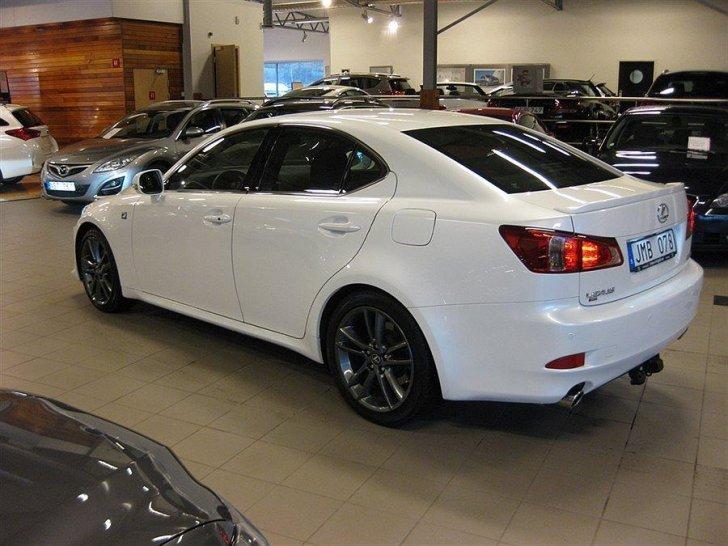Begagnad Lexus IS250 F SPORT NAVI DRAGKROK V HJUL Sedan
