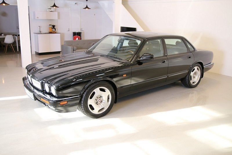 begagnad 95 jaguar xjr 1995 km i ngelholm autouncle. Black Bedroom Furniture Sets. Home Design Ideas