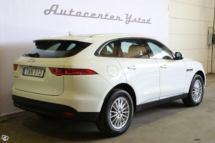 s ld jaguar f pace 2 0d awd pure a begagnad 2017 5 mil i ystad. Black Bedroom Furniture Sets. Home Design Ideas