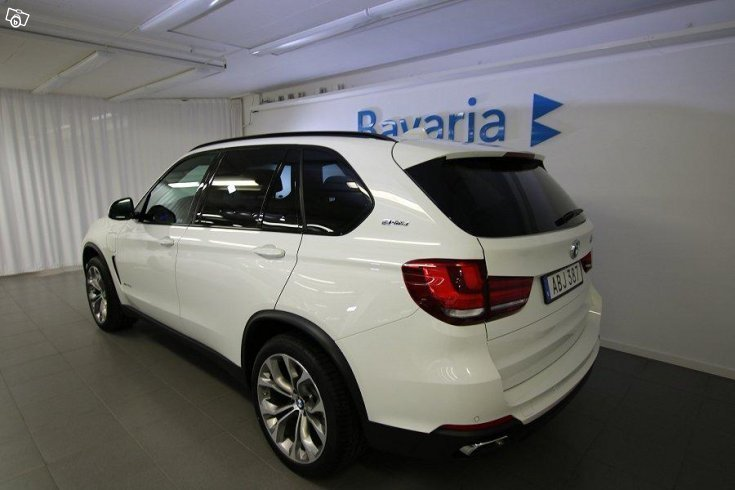 s ld bmw x5 xdrive 40e lounge pack begagnad 2017 690 mil i solna. Black Bedroom Furniture Sets. Home Design Ideas