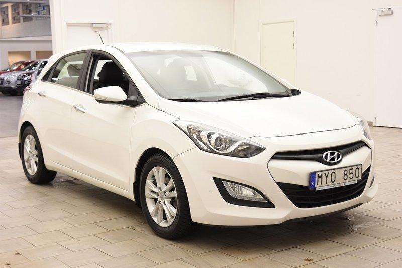 begagnad Hyundai i30 1.6 CRDi 5dr 110hk MOMSBIL / NYSERVAD