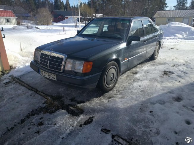 S ld mercedes e300 90 begagnad 1990 mil i for Mercedes benz 1990 e300