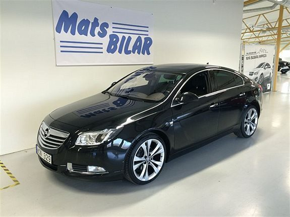 s ld opel insignia limousine hb 2 begagnad 2013 mil i borl nge. Black Bedroom Furniture Sets. Home Design Ideas