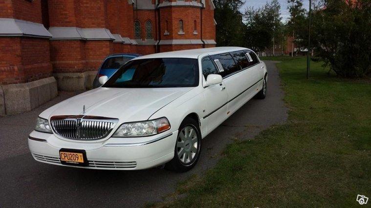 s ld lincoln town car limousine 05 begagnad 2005. Black Bedroom Furniture Sets. Home Design Ideas