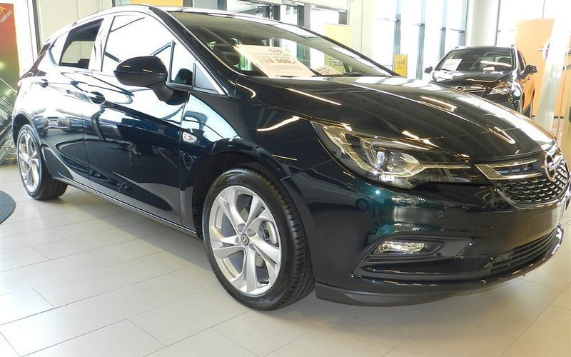 begagnad Opel Astra Dynamic 5d 1.4T /125 hk Dragkrok