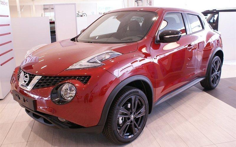 """begagnad Nissan Juke 1.6L 117 CVT N-Connecta Color Pack Black 18"""" Part Leather"""