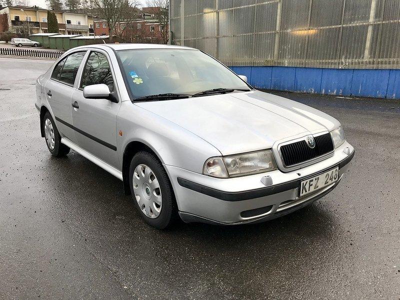 ▷ skoda octavia 1.6 benzin 75 hk (1999) | stockholm | autouncle
