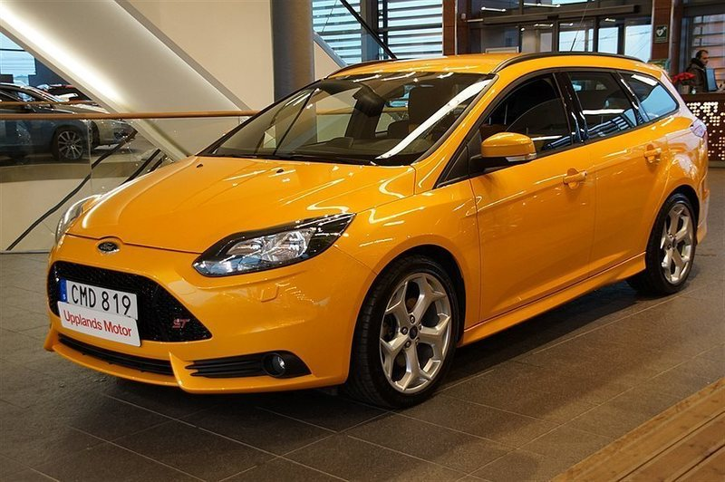 s ld ford focus st ii 2 0 250 komb begagnad 2014. Black Bedroom Furniture Sets. Home Design Ideas