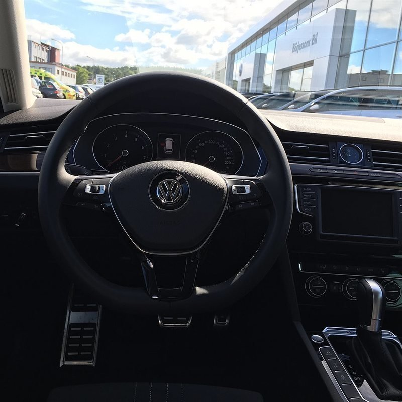 Såld VW Passat Alltrack 2.0 TSI 22., Begagnad 2016, 400