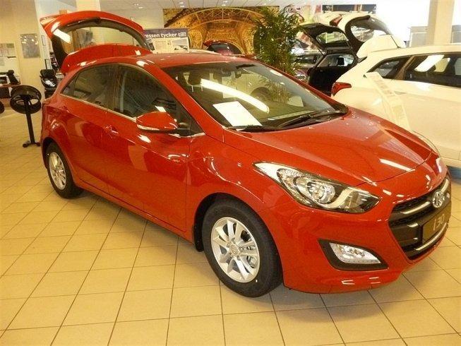 begagnad Hyundai i30 i30 1,6 CRDi Comfort Nya-15