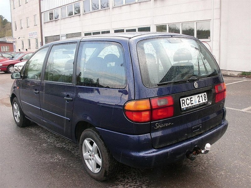 begagnad 1 8 t vw sharan 1999 km i huddinge autouncle. Black Bedroom Furniture Sets. Home Design Ideas