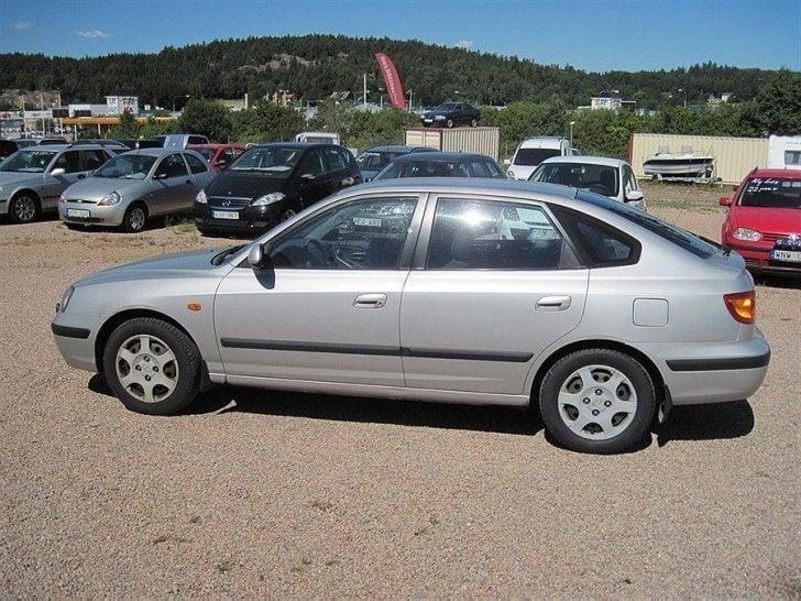 S 229 Ld Hyundai Elantra 1 6 Gls 02 Begagnad 2001 17 800