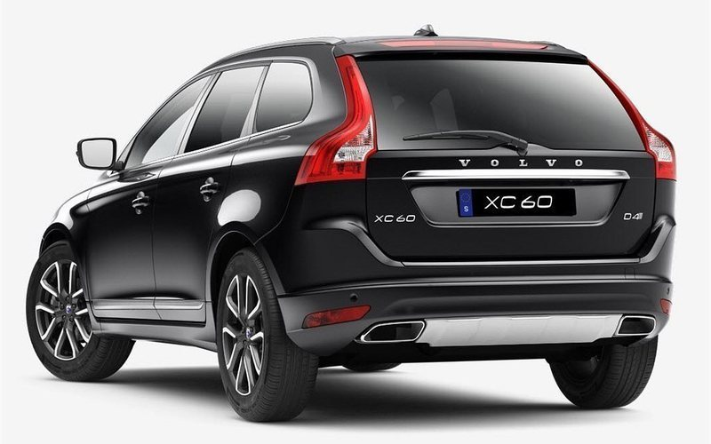 begagnad d4 awd classic r design volvo xc60 2017 km 0 i. Black Bedroom Furniture Sets. Home Design Ideas