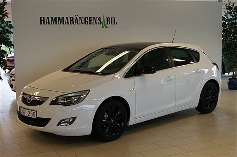 s ld opel astra 1 4t sport black r begagnad 2012 448 mil i v sterbotten. Black Bedroom Furniture Sets. Home Design Ideas