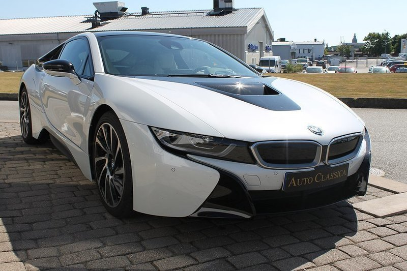begagnad 2017 bmw i8 1 5 el hybrid 879 000 kr 271 39. Black Bedroom Furniture Sets. Home Design Ideas