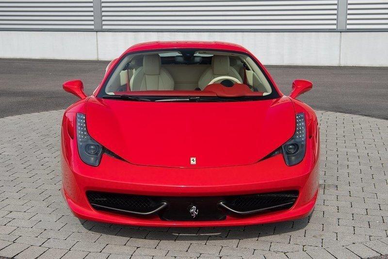 Såld Ferrari 458 Italia F1 / 2100 ., begagnad 2010, 2.100 ...